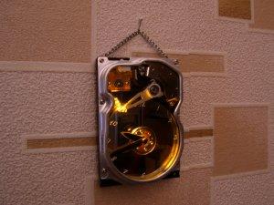 Часы из жесткого диска.