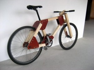 Деревянный велосипед.