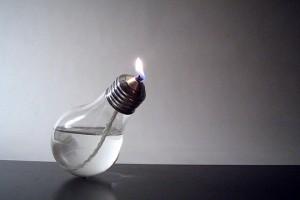Использование сгоревшей лампочки.
