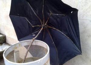 Ремонт зонтика.