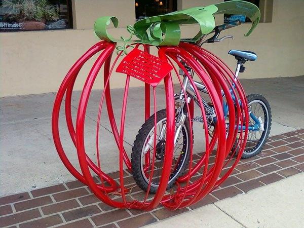 Оригинальные велосипедные парковки