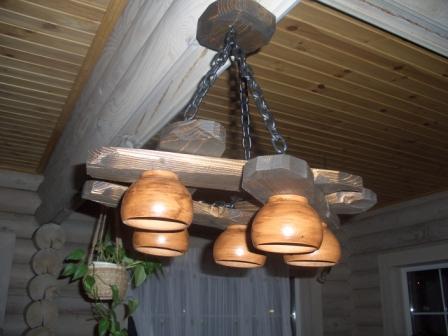 Как сделать люстры из дерева своими руками?