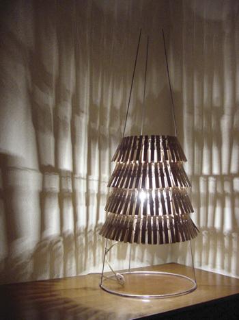 самодельная лампа из прищепок