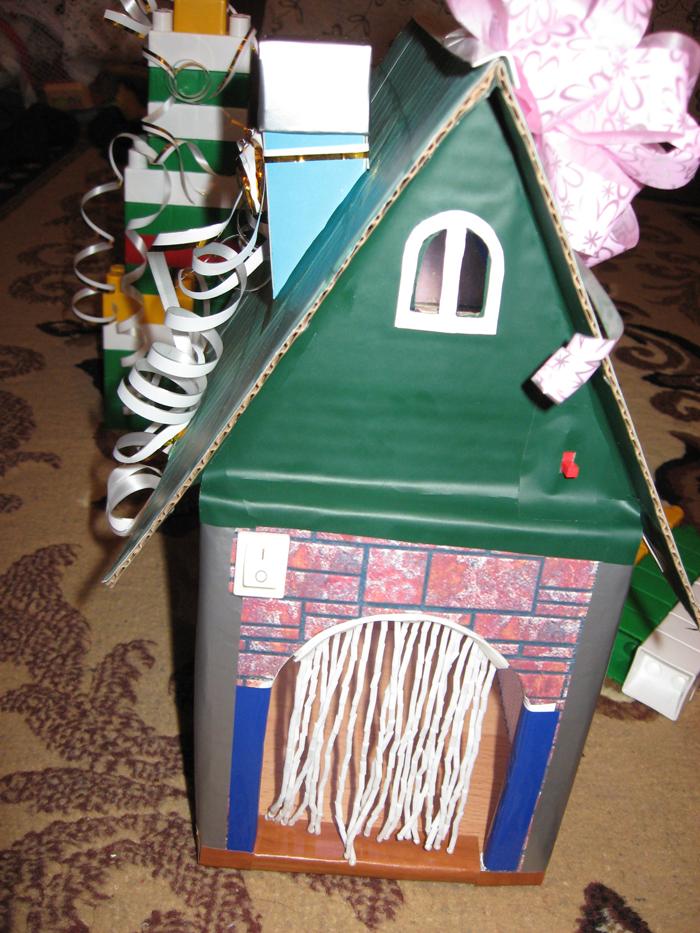 Самодельный игрушечный домик