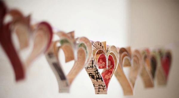 Бумажные гирлянды из сердечек своими руками