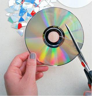 Новогодние шары из компакт-дисков