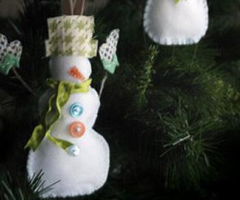 Новогодние снеговики из фетра своими руками