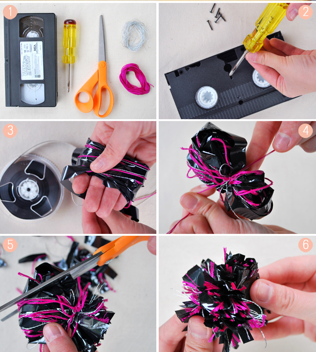 Из ненужных аудио и видеокассет можно создать симпатичные банты, используемые для упаковки подарков. Как это сделать – смотрите на сайте.