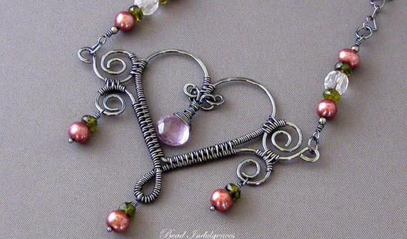 Подвески из проволоки в виде сердечек своими руками