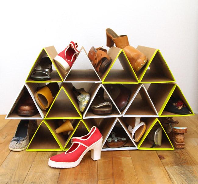 Шкафчик для обуви из картона