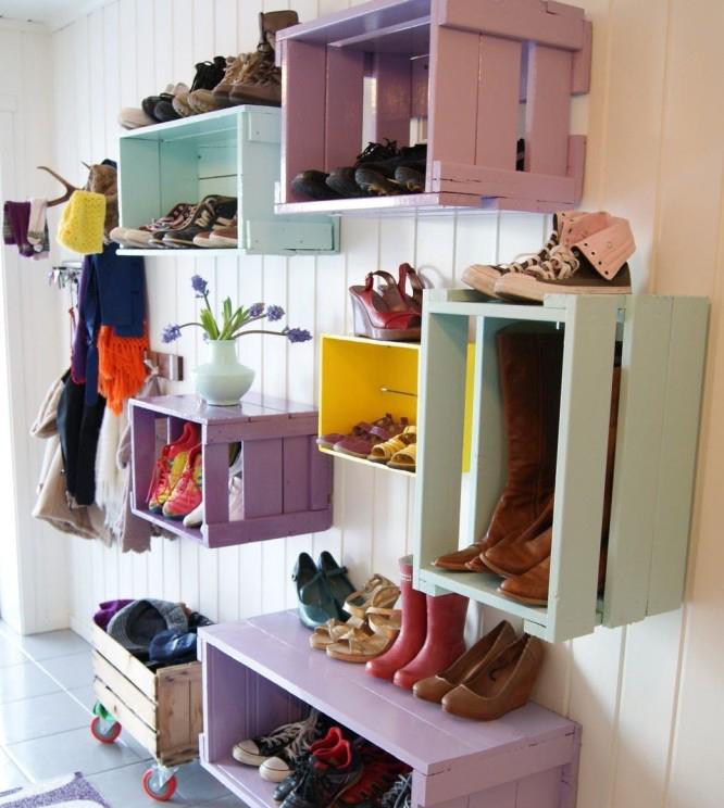 Хранение обуви в деревянных ящиках