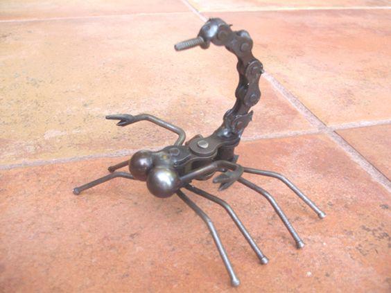 Скорпион из цепи своими руками фото