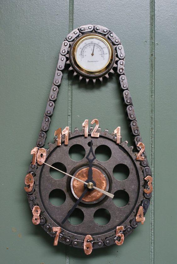 Суровые часы из запчастей