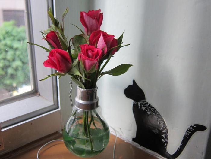 Вазы для цветов из лампочек