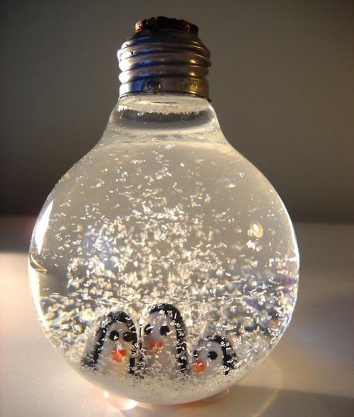 Снежный шар из лампочки
