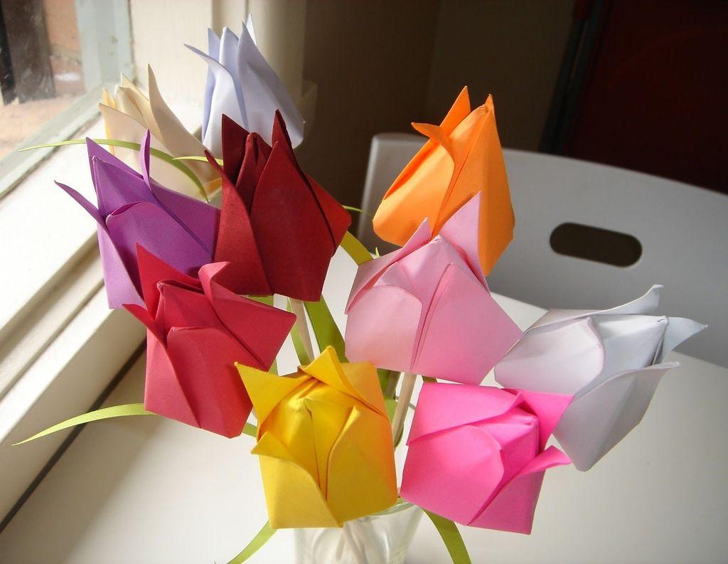 Букет бумажных тюльпанов