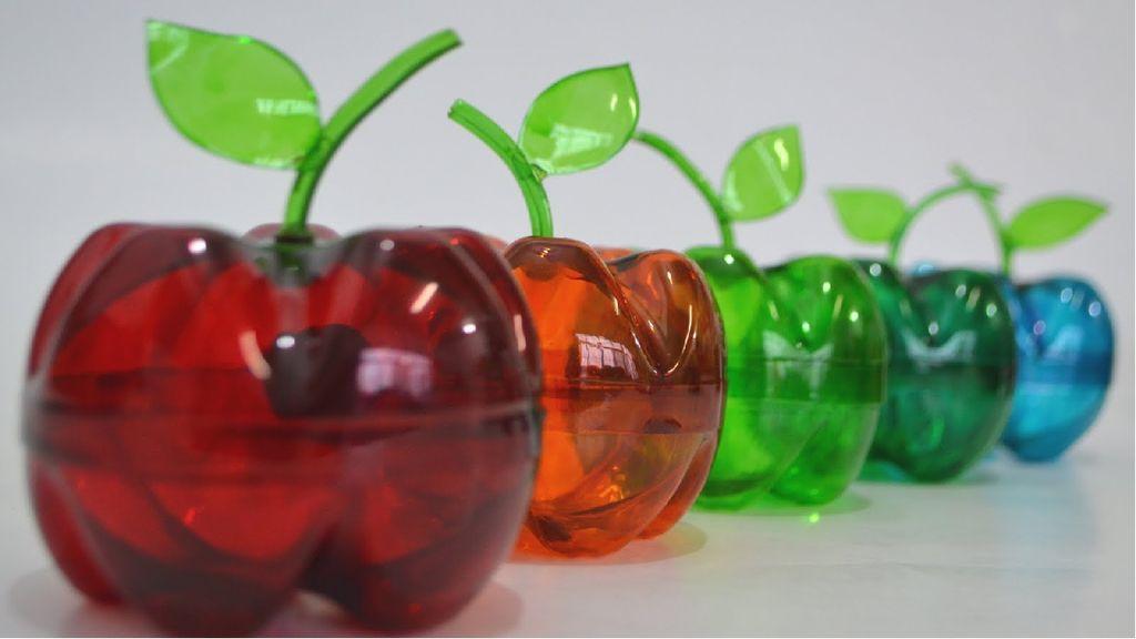 Оригинальные вазы из пластиковых бутылок